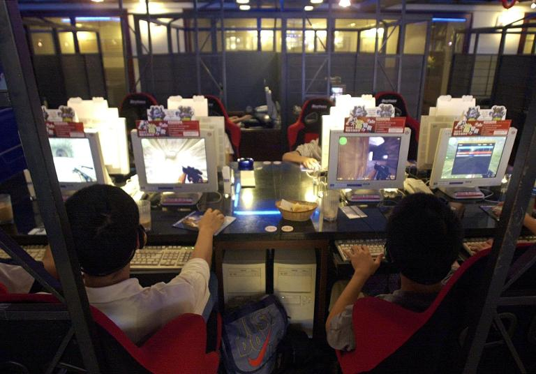 wpid-file-photo-of-local-students-playing-video-games-at-an-internet-cafe-in-taipei-taiwan.jpg
