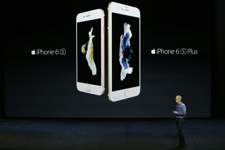 wpid-apple-ceo-tim-cook-introduces-the-new-iphone-6s-and-6s-plus-on-september-9-2015-in-san-francisco-california.jpg