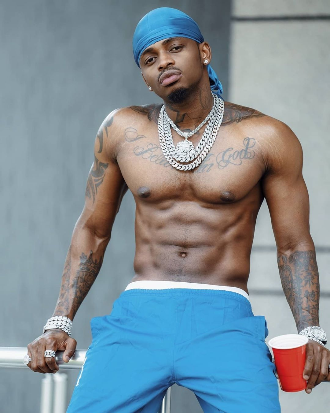 Diamond Platnumz shirtless