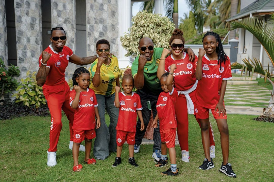 Diamond Platnumz with Zari and the kids