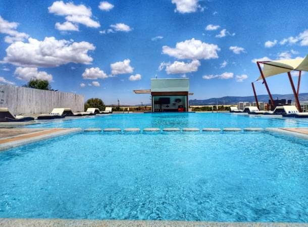 Maiyan features the largest heated swimming pool in this region.